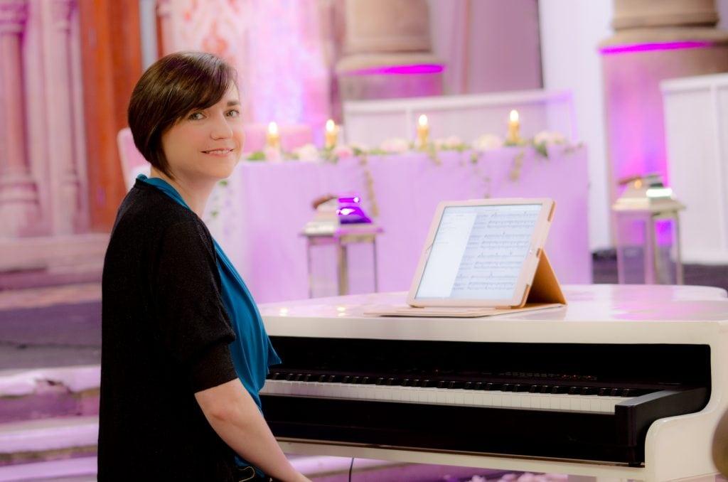 Liz Hendry Wedding pianist providing beautiful wedding music in Manchester monastery