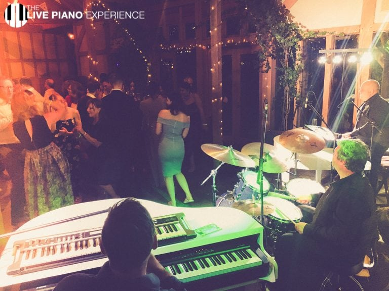 The ultimate Duelling pianos show at the oak tree of peover